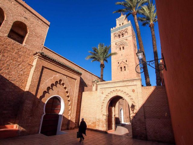 morocco_marrakech_view_of_the_tower_of_the_ancient_mosque_koutoubia