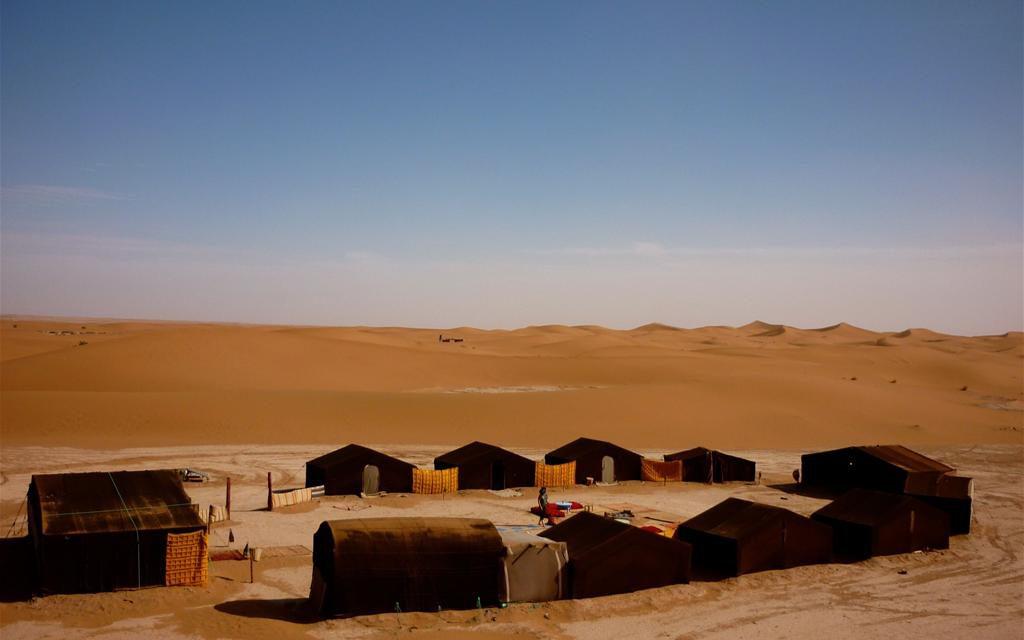 https://www.moroccodailytours.com/wp-content/uploads/2018/12/zagora-camp-1024x640.jpg